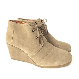 TOMS Desert Wedge Bootie | Taupe Suede | Size 8